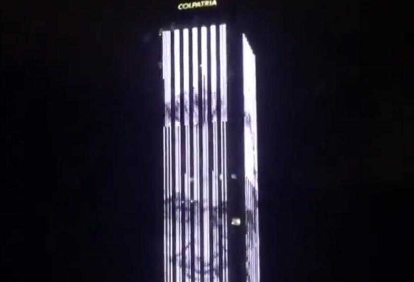 Torre Colpatria en Bogotá rinde homenaje a Stan Lee