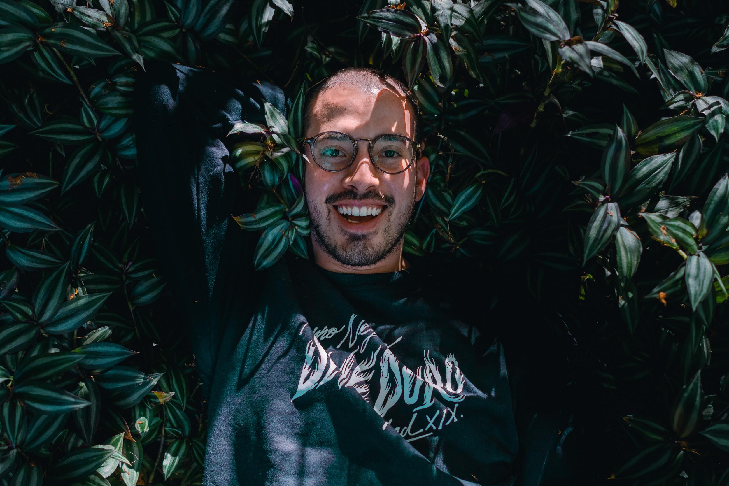 El joven compositor y productor musical colombiano que ya tiene 2 producciones por estrenarse en Netflix
