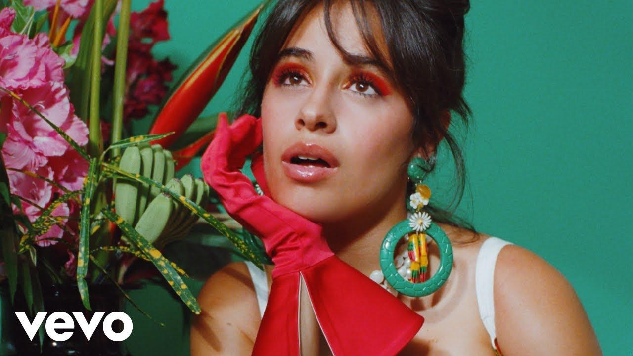 "Camila Cabello trae sus raíces latinas en ""Don't Go Yet"""